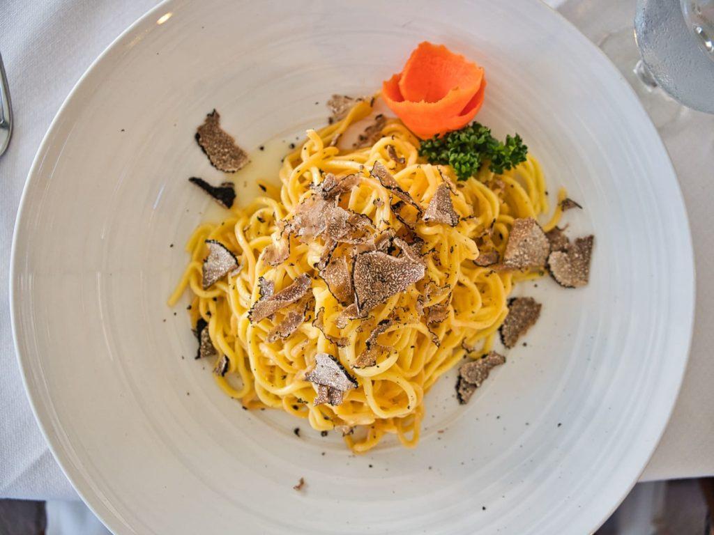 Lumières sur la super star des restaurants étoilés : la truffe !